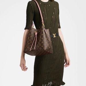 Authentic Louis Vuitton Neonoe Handbag.